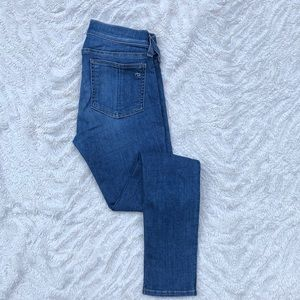 Rag & Bone Skinny medium wash Capri Jeans 24